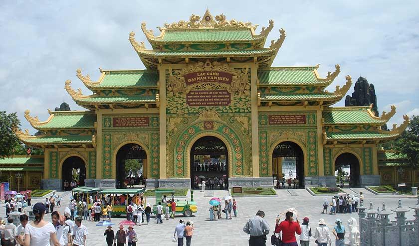 Dai Nam Van Hien, Vietnam