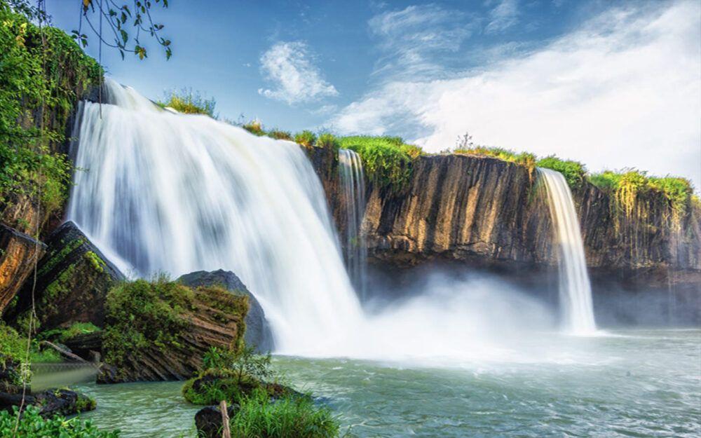 Dray Nur Waterfall, Vietnam
