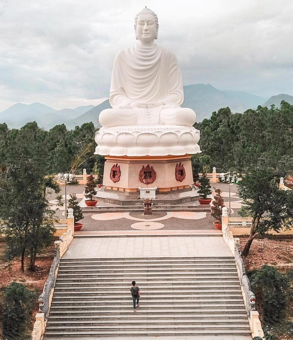 Long Sơn Pagoda, Vietnam