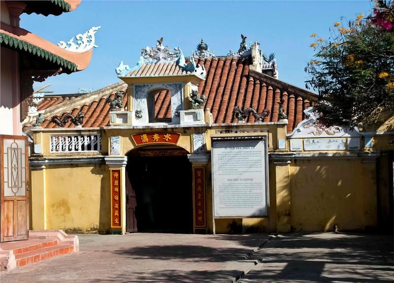 Turismo en Mui Ne, Templo Van Thuy Tu