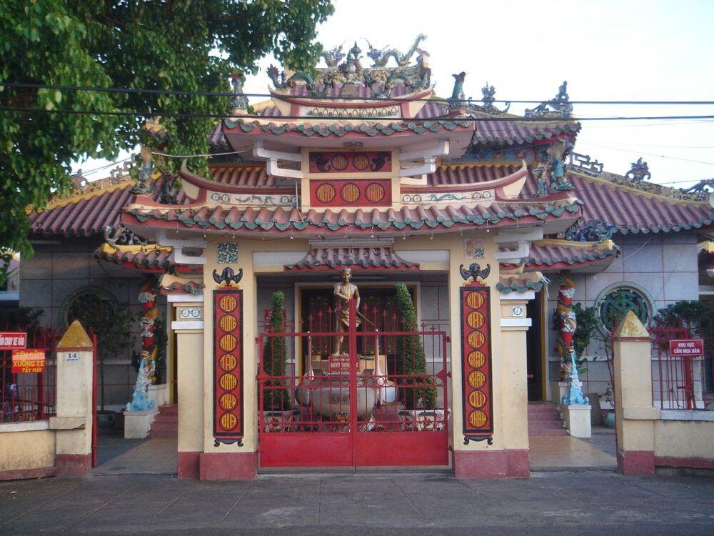 Nguyen Trung Truc Temple, Vietnam