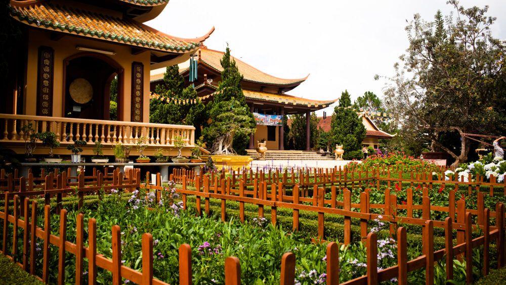 Trúc Lam Temple, Vietnam
